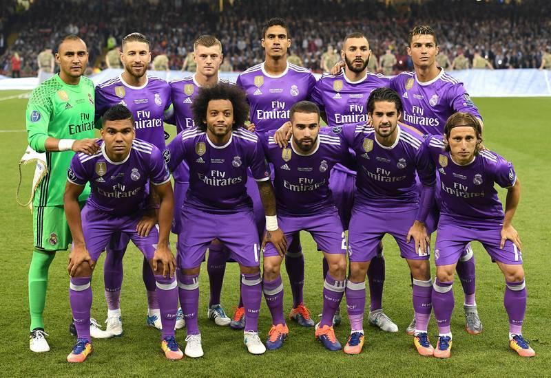 Los once elegidos por Zidane para luchar por la 'Duodécima' posan antes del comienzo de la final de Champions.