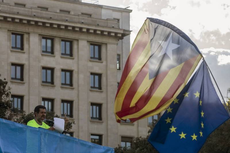 Un acto en la plaza de Cataluña cierra la manifestación