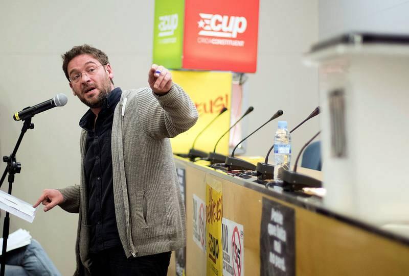 El exsecretario general de Podem Albano Dante Fachin durante su intervención en un mitin de la CUP en El Prat de Llobregat