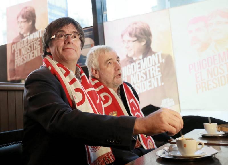 Puigdemont sigue desde Bruselas el partido de primera división Girona-Getafe.