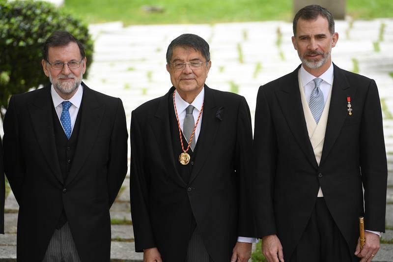 Rajoy, Sergio Ramírez y Felipe VI, tras el acto de entrega del Premio Cervantes
