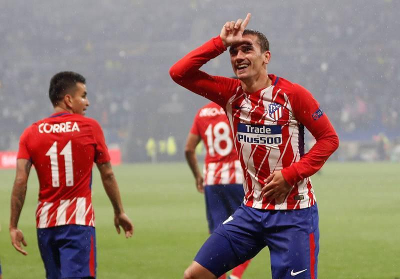 Griezmann celebra con sus aficionados el segundo gol de la final de la Europa League.