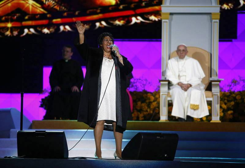 Aretha Franklin actúa ante el papa Francisco
