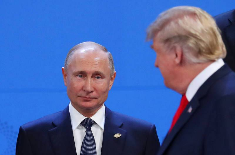 Trump mira a Putin a su llegada al G20