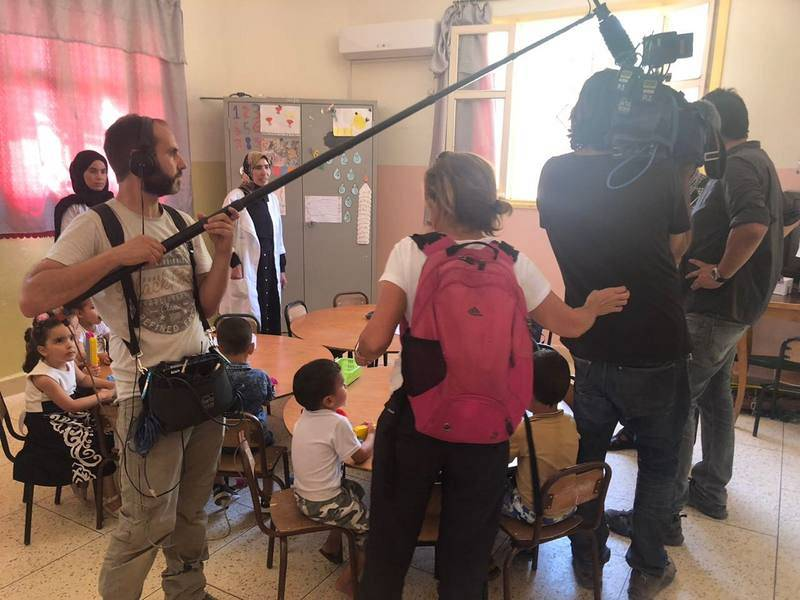 De rodaje en una casa de acogida para huérfanos