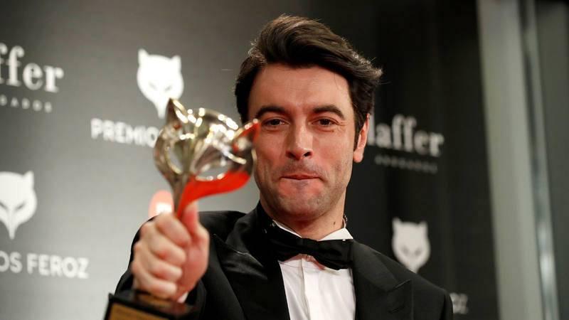 El actor Javier Rey recibe el premio a mejor actor protagonista de una serie por su trabajo en ''Fariña'