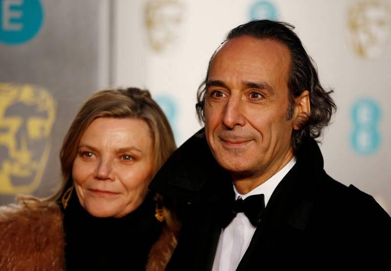 Alexandre Desplat, nominado en la categoría de mejor Música Original por 'Isla de perros', posa junto a su mujer Dominique Lemonnier