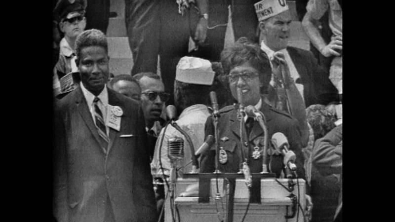 Josephine Baker defendiendo los derechos civiles de los negros