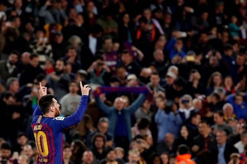 Messi celebra el gol que dio la Liga al Barça