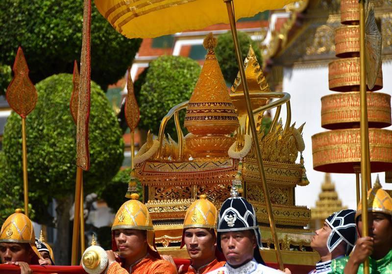 Tailandia celebra este fin de semana las ceremonias de coronación del rey Vajiralongkorn en un clima de incertidumbre política tras las elecciones del pasado 24 de marzo, cuyos resultados completos aún no han sido hechos públicos oficialmente.