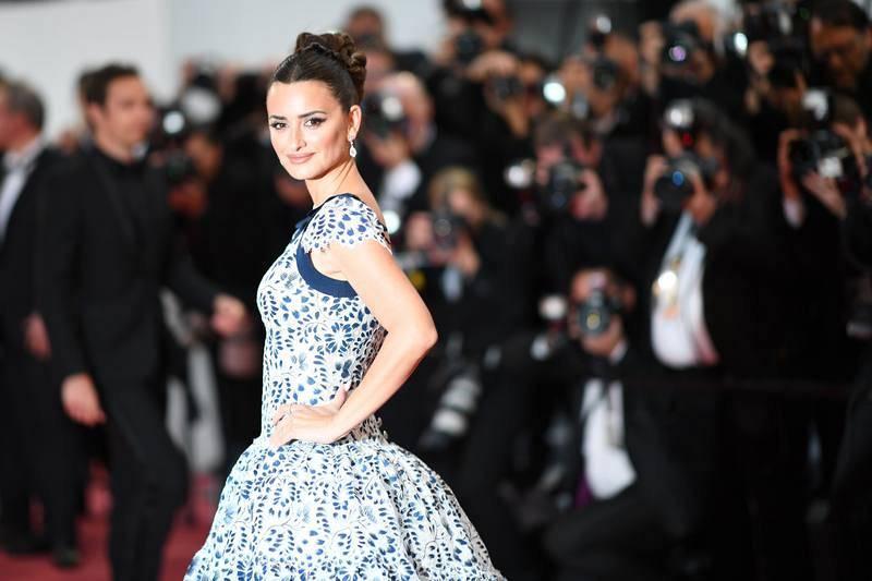 """La actriz española posa en el Festival de Cannes antes de la proyección de """"Dolor y Gloria""""."""
