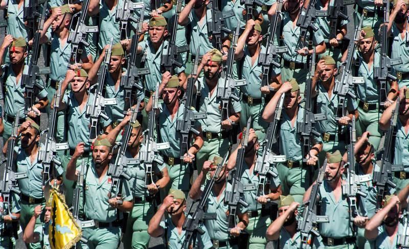 La Legión desfila en Sevilla