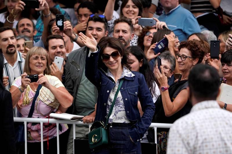 La actriz francesa Juliette Binoche llega al hotel María Cristina de San Sebastián