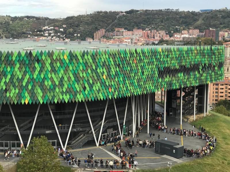 La cola llegaba hasta el exterior del Bilbao Arena Miribilla en la Fase 1 del casting OT 2020 en Bilbao