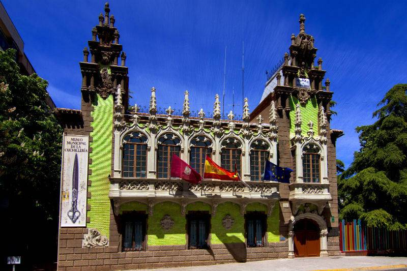 Palacio de Hortelano (Museo de la cuchillería).