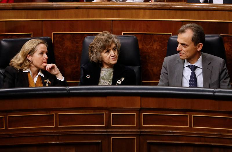 Nadia Calviño, María Luisa Carcedo y Pedro Duque, en la bancada del Gobierno
