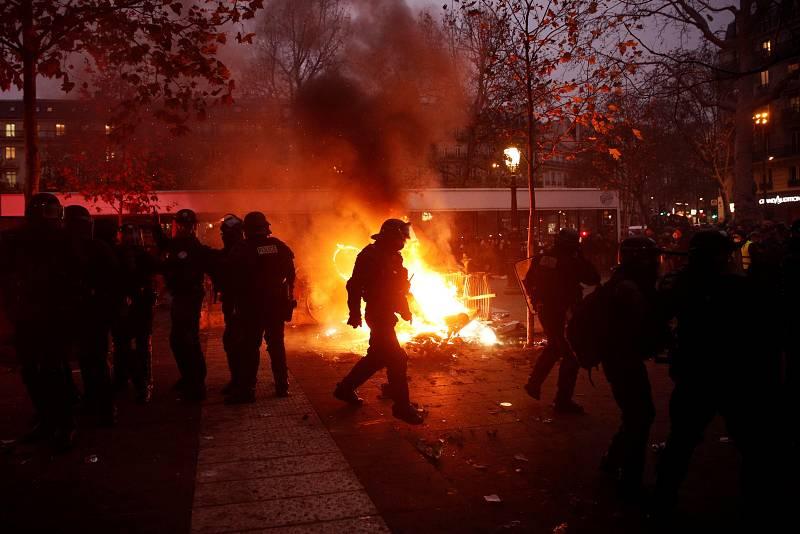 Disturbios en las calles de París
