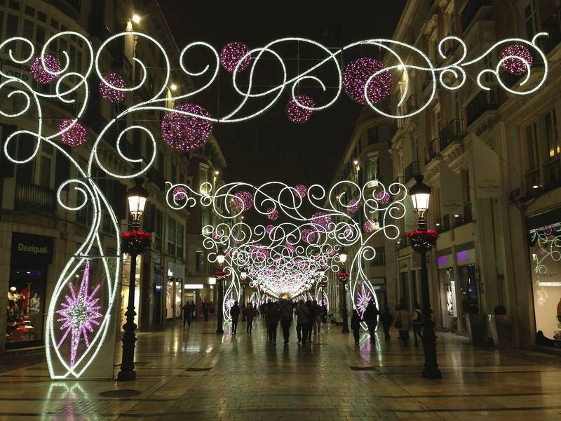 Calle Marqués de Larios decorated for Christmas