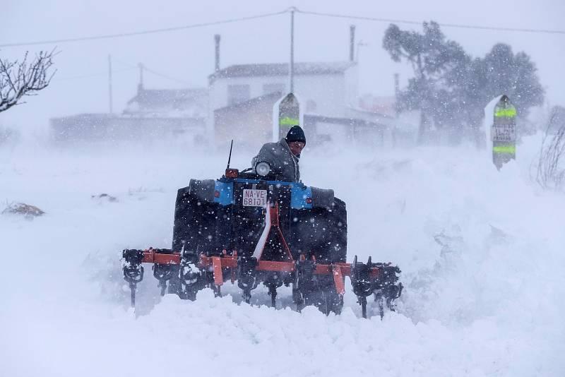 El temporal deja 50 centímetros de nieve en Sierra Espuña y 40 en Moratalla