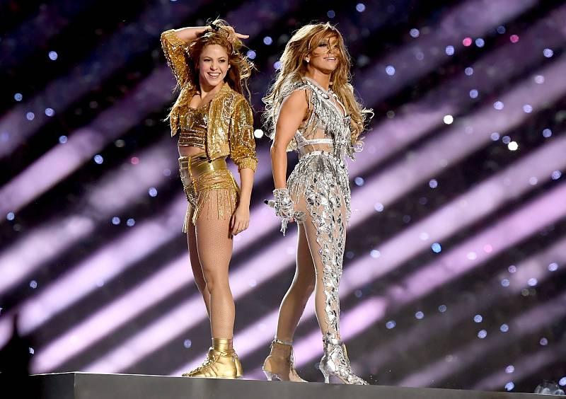 Las dos artistas han finalizado el espectáculo cantando las dos juntas.