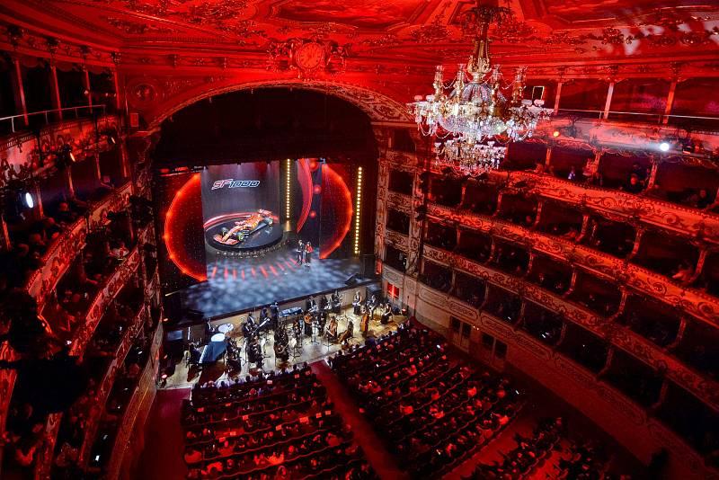 Teatro Valli presentación F1 Ferrari