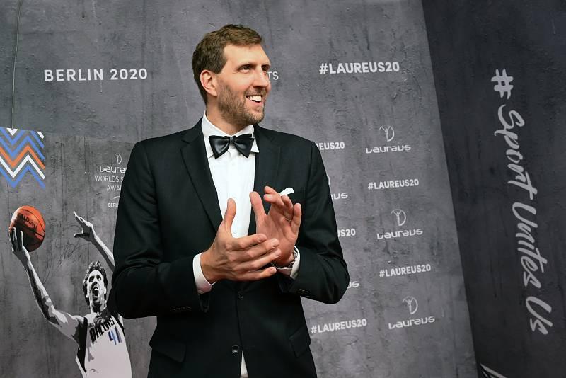 Dirk Nowitzki celebra su Laureus