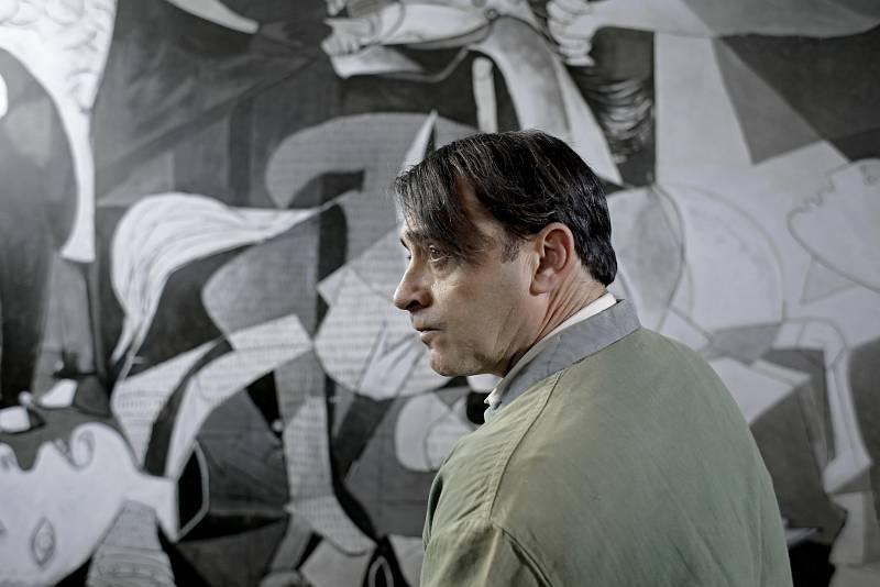 Pablo Picasso/Zenet, entre los personajes históricos de 'El Ministerio del Tiempo'