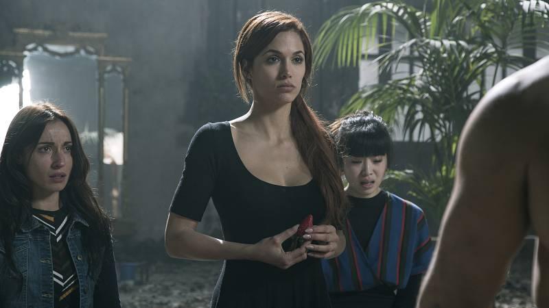Michelle Calvó es Chloe, novia de Edrain. Viaja con sus amigas para conocer a la familia de él.