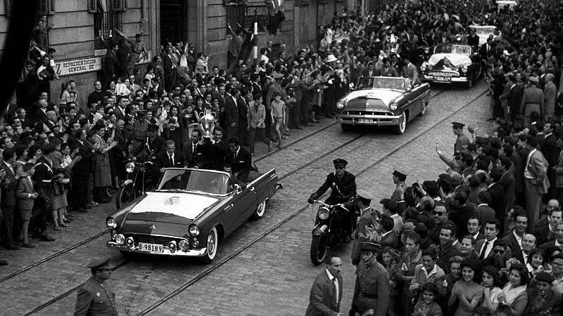 El Real Madrid se dirige en caravana triunfal al Ayuntamiento