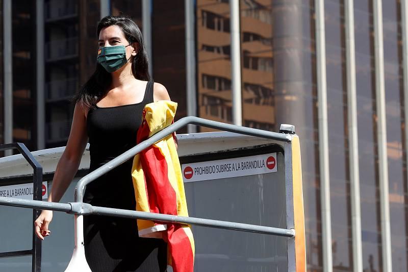 La portavoz de Vox de la Asamblea de Madrid, Rocío Monasterio, antes de participar en una de las manifestaciones promovidas por su partido contra la gestión del Gobierno en la pandemia del coronavirus.