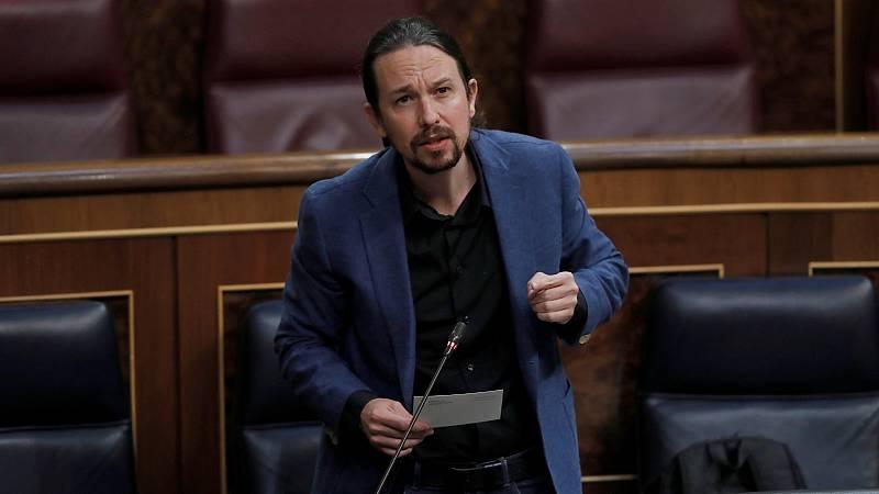Pablo Iglesias interviene desde la tribuna del Congreso en una sesión de control al Gobie