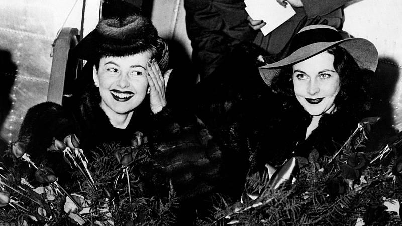 Olivia de Havilland y Vivien Leigh, a su llegada a Atlanta para el estreno de 'Lo que el viento se llevó'.