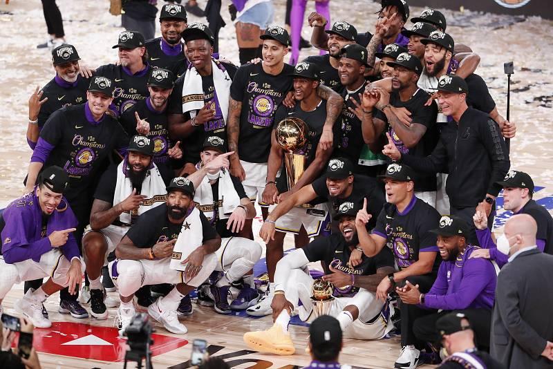 Los Angeles Lakers ganan a Miami Heat
