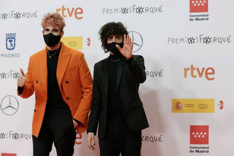 Javier Calvo y Javier Ambrossi a su llegada a la gala de entrega de los Premios Forqué.