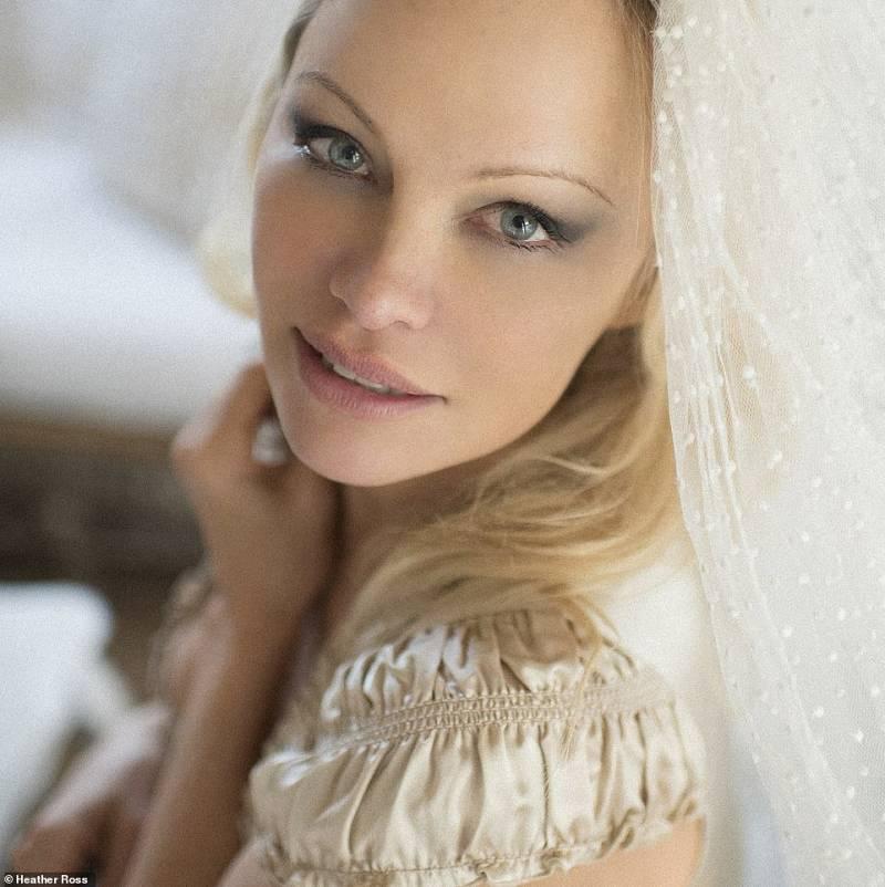 Pamela Anderson se casa con su guardaespaldas en secreto: las fotos de su boda con Dan Hayhurst