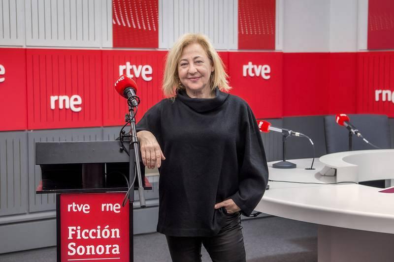 Carmen Machi, Régula.