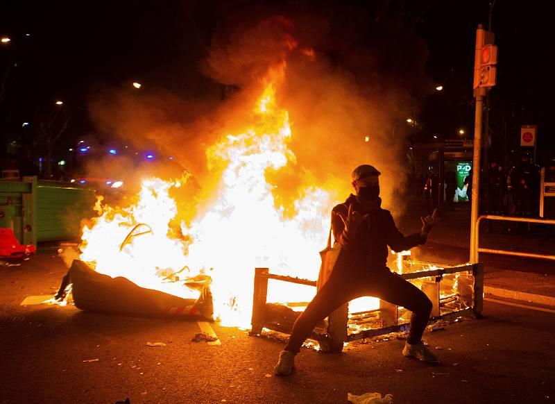 Protestas en Barcelona por la detención de Pablo Hasel