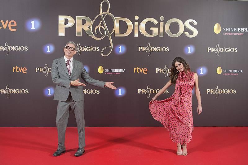 Boris Izaguirre y Paula Prendes en la presentación de 'Prodigios'