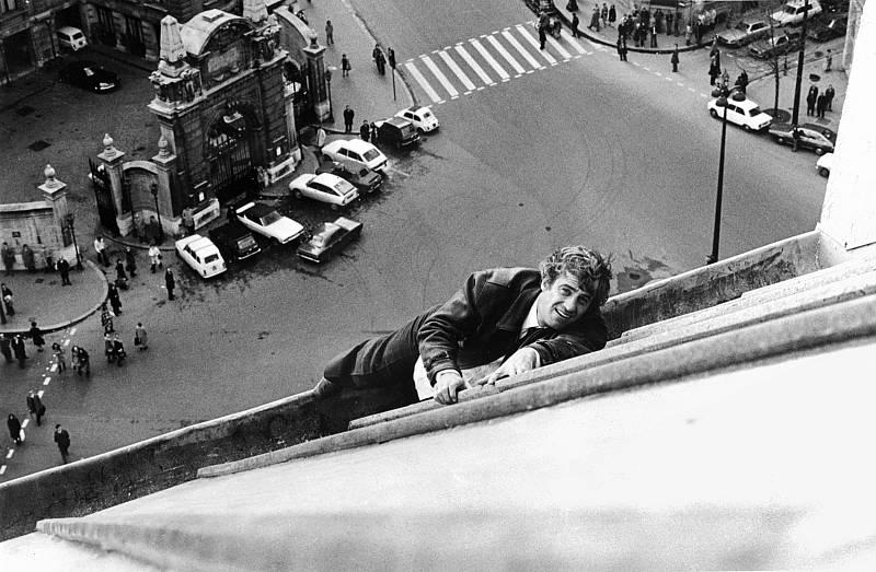 En sus sesenta años de carrera, Jean-Paul Belmondo ha rodado más de 80 películas. En esta foto se le puede ver rodando 'Pánico sobre la ciudad', dirigida por Henri Verneuil en 1975.