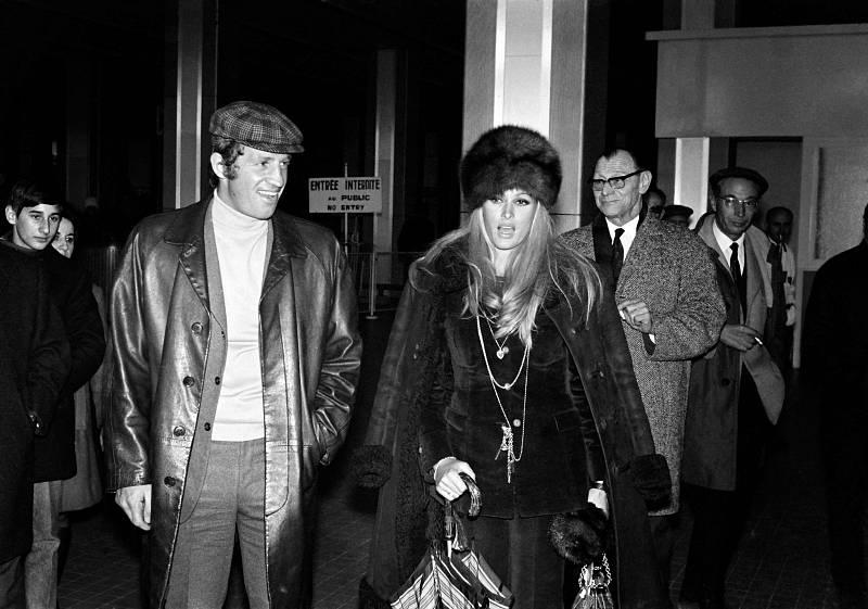 Jean-Paul Belmondo compartió su vida sentimental con distintas actrices. Su relación más sonada fue con la 'chica Bond', Ursula Andress.