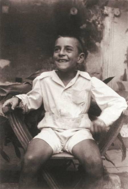 Una imagen del niño que fue el poeta Salvador Espriu