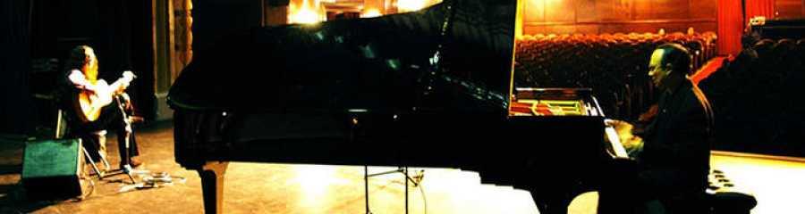 Tomatito  maniene desde hace 20 años un duo junto al pianista Michel Camilo con un gran éxito internacional