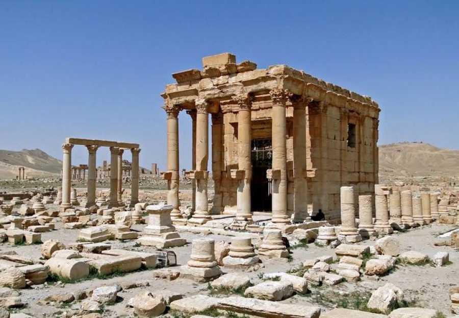 El templo de Bel-Shamin es una construcción genicia dedicada al dios celeste Baalshamin, principal culto de Palmira.