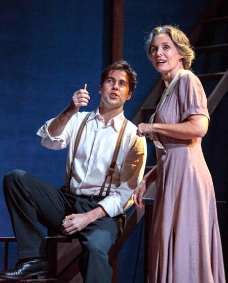 Alejandro Arestegui y Silvia Marsó en una escena de la obra dirigida por Francisco Vidal.