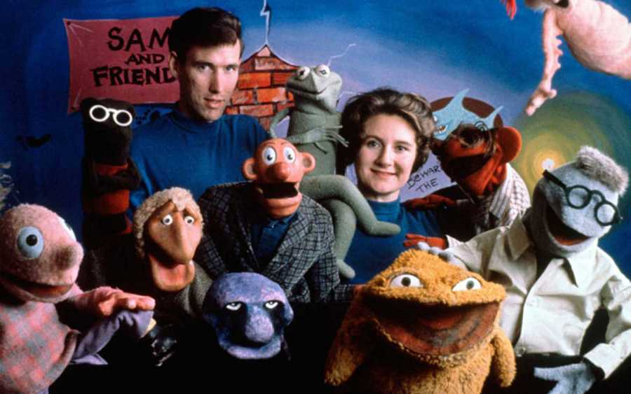 Jim Henson, su esposa Jane y los muñecos de 'Sam and Friends'
