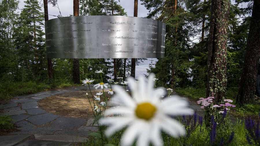 El claro, monumento en homenaje a las víctimas del atentado de Breivik en 2011