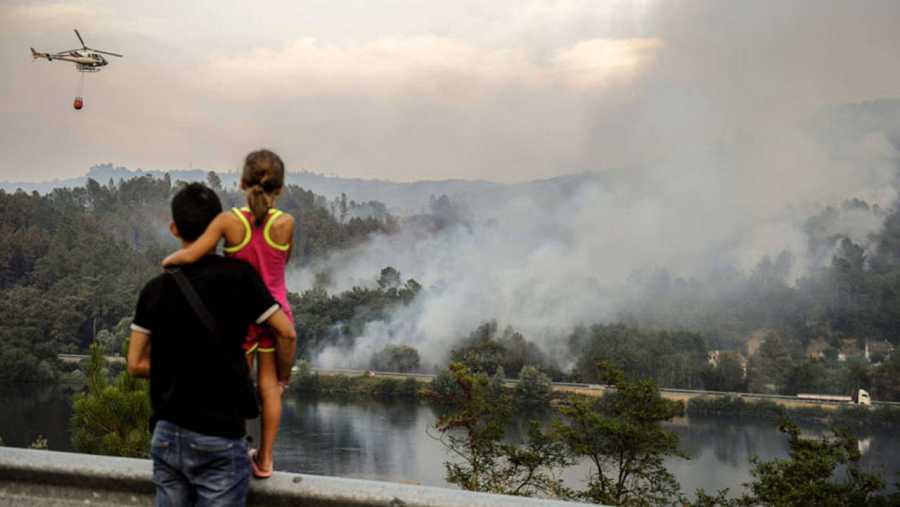 INCENDIO FORESTAL EN PEREIRO DE AGUIAR