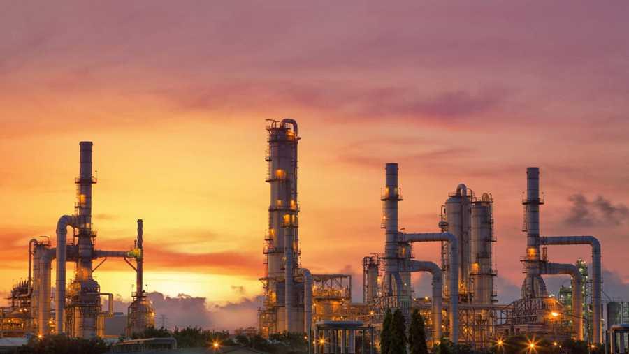 Refinería de petróleo en Arabia Saudí