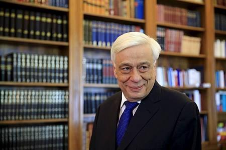El presidente griego Prokopis Pavlopoulos encarga a la presidenta del Tribunal Supremo formar nuevo Gobierno