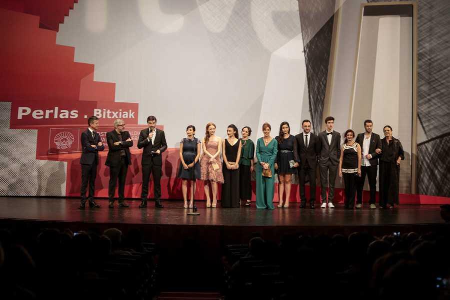 El Teatro Victoria Eugenia de Donostia acogió el estreno de la tvmovie / FOTOS DE MONTSE G. CASTILLO Y GARI GARAIALDE